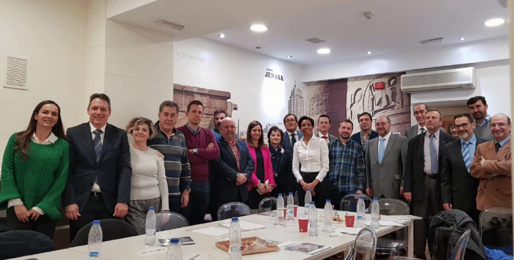 empresarios reunidos para hablar sobre posibilidades de inversión en Cuba