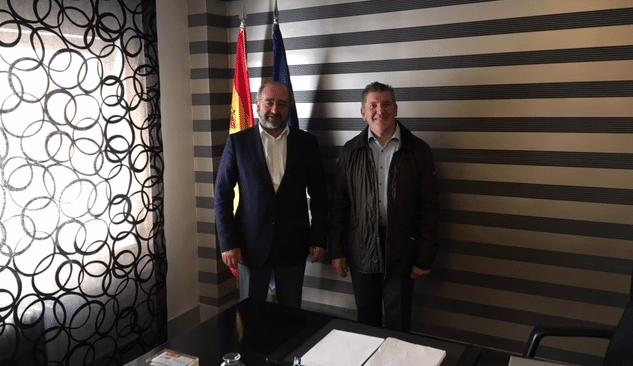 Contrato de colaboración entre Grupo Jenasa y Adefarma